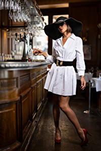 Hintergrundbilder Pose Kleid Der Hut Bar Brille Nadege Mädchens