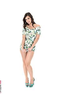 Bilder Nekane Sweet iStripper Weißer hintergrund Brünette Posiert Kleid Hand Bein High Heels