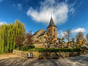 Bilder Niederlande Kirche Wolke Bäume Asselt Städte