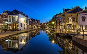 Bilder Niederlande Abend Haus Kanal Straßenlaterne Maassluis