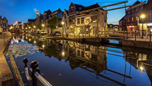 Fotos Niederlande Abend Haus Waterfront Straßenlaterne Kanal Maassluis