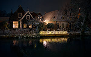Bilder Niederlande Gebäude Kanal Nacht Zaun Edam Städte