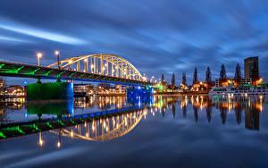 Fotos Niederlande Gebäude Flusse Brücken Nacht Straßenlaterne Malburgen Oost Provincie Gelderland