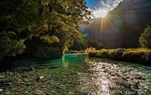 Hintergrundbilder Neuseeland Berg Fluss Sonne Bäume Mount Aspiring National Park