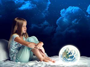 Bilder Nacht Kleine Mädchen Sitzt Wolke Erde Kinder