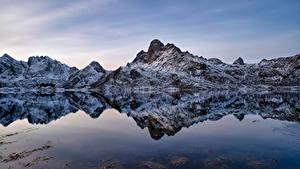 Hintergrundbilder Norwegen Lofoten Berg Spiegelung Spiegelbild