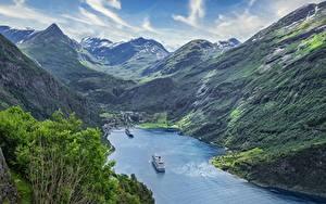 Fotos Norwegen Gebirge Kreuzfahrtschiff Von oben Fjord  Natur
