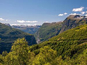 Hintergrundbilder Norwegen Berg Wälder Canyon Geirangerfjord