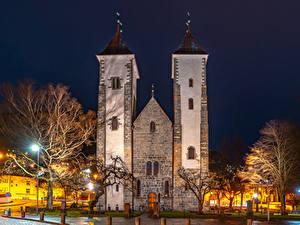 Hintergrundbilder Norwegen Tempel Kirchengebäude Bergen Nacht Straßenlaterne Städte