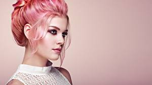 Fotos Frisuren Haar Blick Make Up Gesicht Oleg Gekman junge Frauen