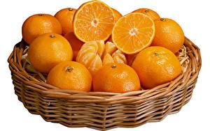 Hintergrundbilder Orange Frucht Weidenkorb Weißer hintergrund Lebensmittel