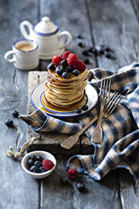 Pictures Hotcake Berry Raspberry Blueberries Boards Fork Food