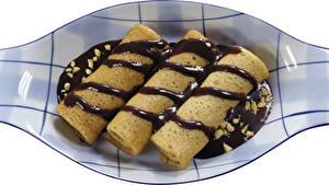 Fotos Eierkuchen Schokolade Teller Lebensmittel