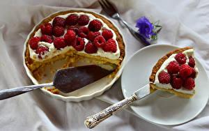 Bilder Backware Obstkuchen Himbeeren Stücke