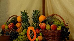 Bilder Pfirsiche Äpfel Birnen Apfelsine Weintraube Ananas Kürbisse Obst Stillleben Weidenkorb