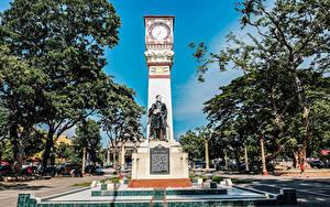 Fotos Philippinen Denkmal Uhr Bäume Jose Rizal monument Dumaguete Negros Island Städte