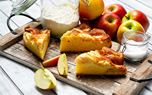Desktop hintergrundbilder Obstkuchen Äpfel Mehl Schneidebrett Stück Zucker Einweckglas Lebensmittel