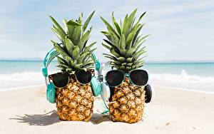 Hintergrundbilder Ananas Brille Zwei Kopfhörer Sand