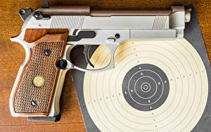 Bilder Pistolen Hautnah Schießscheibe Heer