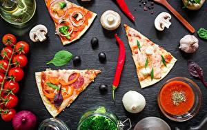 Hintergrundbilder Pizza Pilze Tomate Chili Pfeffer Oliven Stücke