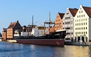 Picture Poland Gdańsk Houses Pier Ships Cities