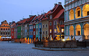 Fotos Polen Gebäude Abend Denkmal Platz Poznan