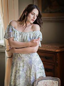 Papel de Parede Desktop Posando Vestido Mão Bonito Meninas