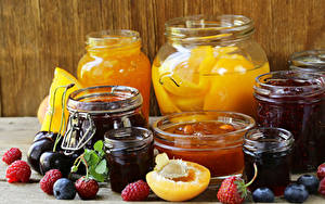 Bilder Konfitüre Himbeeren Heidelbeeren Erdbeeren Pflaume Einweckglas