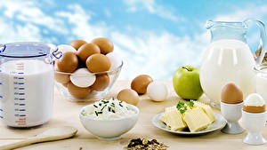 Fotos Topfen Weißkäse Quark Hüttenkäse Milch Äpfel Müsli Frühstück Ei Kanne