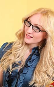 Fotos Rachelle Summers Blondine Starren Brille Haar