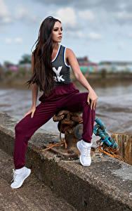 Hintergrundbilder Posiert Sitzend Blick Rebecca junge frau