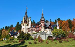 Bilder Rumänien Burg Himmel Türme Peles Castle, Transylvania