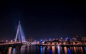 Hintergrundbilder Rotterdam Deutschland Gebäude Fluss Brücke Nacht Lichtstrahl Städte