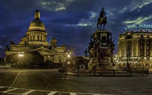 Fotos Russland Sankt Petersburg Denkmal Abend Tempel Gebäude Straßenlaterne St. Isaac's Square Städte