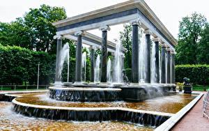 Hintergrundbilder Russland Sankt Petersburg Parks Springbrunnen Design Säulen Peterhof Natur