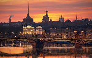 Fotos Russland Sankt Petersburg Morgendämmerung und Sonnenuntergang Brücken Fluss Abend Neva Städte