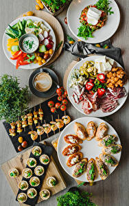 Desktop hintergrundbilder Salat Käse Tomate Kaffee Cappuccino Butterbrot Caridea Fleischwaren Teller Lebensmittel