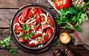 Hintergrundbilder Salat Tomate Zwiebel Bretter