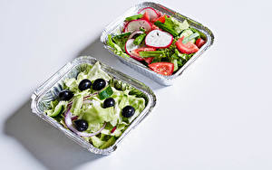 Photo Salads Vegetables Olive Gray background Food