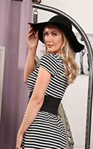 Hintergrundbilder Sam Tye Blondine Der Hut Starren Hand Mädchens