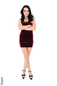 Fotos Sapphira A iStripper Weißer hintergrund Brünette Kleid Hand Bein High Heels