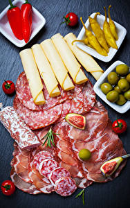 Hintergrundbilder Wurst Schinken Käse Tomate Peperone Oliven Geschnitten