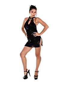 Hintergrundbilder Weißer hintergrund Brünette Pose Kleid Hand Bein High Heels Savana Wildchild junge Frauen