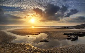 Fotos Landschaftsfotografie Vereinigtes Königreich Sonnenaufgänge und Sonnenuntergänge Küste Himmel Sand Wolke Sonne Strand Pfütze Wales Dunraven Bay