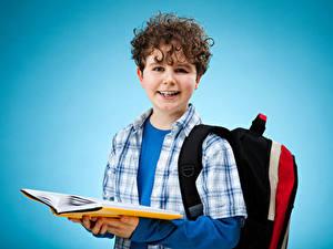 Hintergrundbilder Schule Junge Starren Bücher Rucksack kind