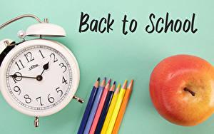 Bilder Schule Uhr Äpfel Wecker Farbigen hintergrund Wort Englisch Bleistifte