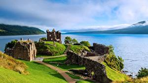 Desktop hintergrundbilder Schottland See Ruinen Loch Ness, Urquhart Castle Natur