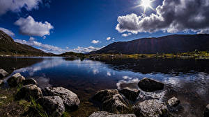 Hintergrundbilder Schottland Gebirge See Steine Wolke Sonne Achallader Natur