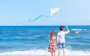 Hintergrundbilder Meer Wasserwelle 2 Junge Kleine Mädchen Hinten Kinder