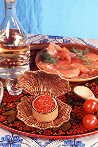 Fotos Meeresfrüchte Caviar Tomaten Schinken Wodka